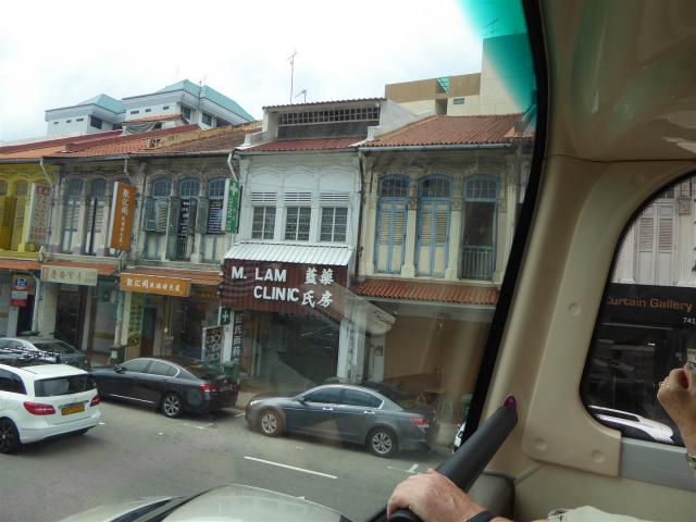 http://www.gandjlawrence.co.uk/photos/malaysia/Bill/P1060602_Large_.jpg